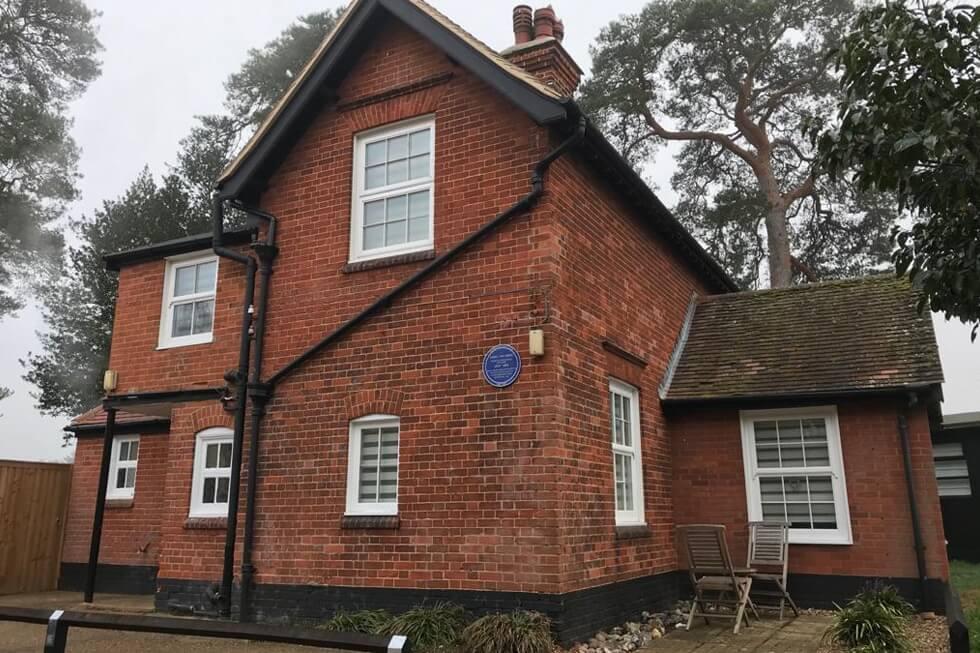 Arbon Cottage Blue Plaque